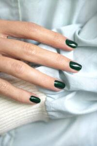 green flash-manucurist-emerald-gel-nails-cultureandcream-blogpost