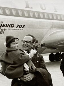 treveling-60ies-airplane-otto-hiebl-tourism-director-cultureandcream-blogpost