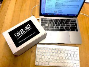 Digital-Päckchen-Finger-weg-Computer-Tastatur-cultureandcream-blogpost