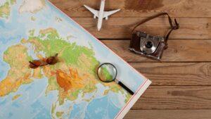 traveling-nostalgic-map-photo-airplane-cultureandcream-blogpost