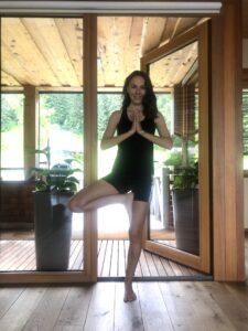 Yoga-Asana-Anna-teacher-Baum-Position-cultureandcream-blogpost