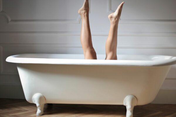 beine-badewanne-körperpflege-körperserum-cultureandcream-blogpost