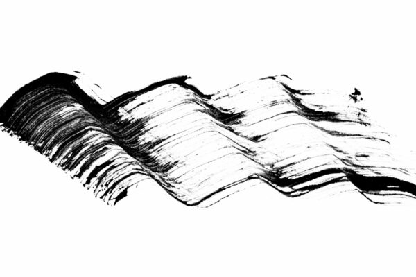 mascara-wimperntusche-schwarz-textur-cultureandcream-blogpost