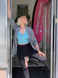 Laura-Biemann-Yoga-Studio-München-Om&Company-cultureandcream-blopost