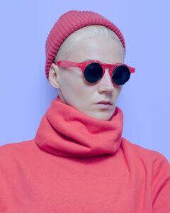 model-gesicht-mütze-brille-porzellanteint-cultureandcream-blogpost